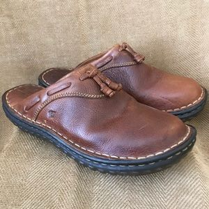 BORN Leather shoes Great condition!! Sz 7